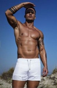 964c3d68e8f Οι 26 καλύτερες εικόνες του πίνακα Men Swimwear - Αντρικά Μαγιό ...
