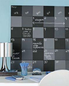 Calendário com telas de pintura