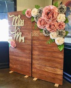 55 Ideas For Vintage Wedding Photos Woods - Wedding Flower Wall Wedding, Wedding Wall, Rose Wedding, Paper Flower Backdrop Wedding, Wedding Paper, Floral Wedding, Bridal Shower Backdrop, Flower Wall Backdrop, Vintage Wedding Backdrop