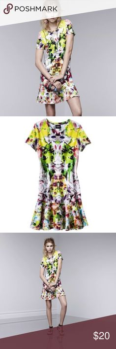 PRABAL GURUNG @ Target~First Date T-shirt Dress~M Superb condition, great multicolored creation from the Target Collaboration with Couture designer Prabal Gurung. Wear with any solid color included in the pattern or boldly mix with other items from this boldly hued line. Prabal Gurung for Target Dresses Mini