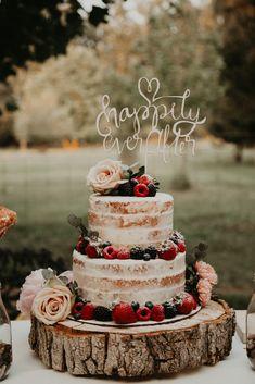 Wedding cake details Hailey J Photo - Brautparty Ideen Fancy Wedding Cakes, Elegant Birthday Cakes, Wedding Cake Rustic, Wedding Cakes With Cupcakes, Wedding Cake Designs, Our Wedding, Dream Wedding, Cupcakes Fall, Summer Wedding Cakes