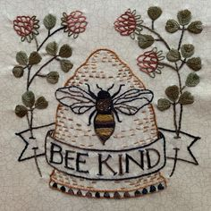 Hand Embroidery Projects, Hand Sewing Projects, Embroidery Patterns, Art Projects, Bees Knees, Stained Glass Patterns, Wool Applique, Elementary Art, Textile Art