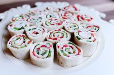 Christmas Tortilla Rollups from @thepioneerwoman Pioneer Woman Recipes, Pioneer Women, Tortilla Pinwheels, Tortilla Wraps, Tortilla Roll Ups Appetizers, Cream Cheese Pinwheels, Tortilla Recipes, Roll Ups Tortilla, Tortilla Rolls