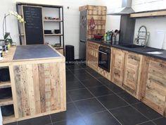 repurposed-pallet-kitchen
