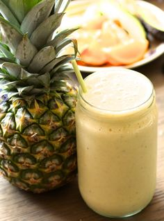 Escape (The Pina Colada Smoothie) Juice Smoothie, Smoothie Drinks, Food Plus, Fat Burning Detox Drinks, Nice Cream, Shake Recipes, Healthy Snacks, Food And Drink, Brunch