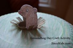 Cute little Groundhog Day craft with a printable template!
