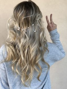 Boho Chic Balayage perfect for any season! Amazing Transformations, Platinum Blonde, Hair Colorist, Blonde Highlights, Hair Journey, Hair Looks, Blondes, New Look, Boho Fashion