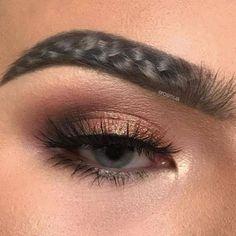 Braided Eyebrows, sourcils tordus ou en forme de natte.