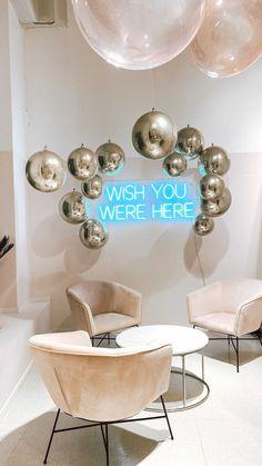 drommefest on Instagram: Easy peasy ... NOT! 🧐 Mange tror at det er veldig enkelt å jobbe med ballonger 🤷🏽♀️ Sannheten er at bak hver eneste installasjon er det… Table, Furniture, Home Decor, Decoration Home, Room Decor, Tables, Home Furnishings, Home Interior Design, Desk