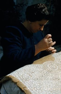Croatian Lacemaker - making needle lace