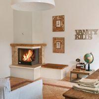 интерьер гостиной с угловым камином 2