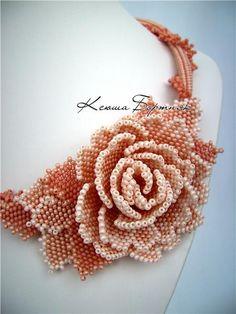 "Колье ""Бежевая роза"" | biser.info - всё о бисере и бисерном творчестве"