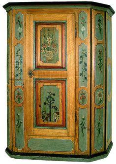 Exceptionnel Mueblepeint.com Armoire Peinte Lucernoise · Armoire RedoPainting  FurnitureFurniture ...