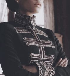 Military Chic Jackets Military Chic Jackets - Victoria Beckham in Harper& Bazaar (GALLERY) Source by Victoria Beckham, Military Chic, Military Fashion, Military Gear, Christophe Decarnin, 3d Foto, Character Inspiration, Style Inspiration, The Grisha Trilogy