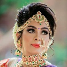 Bride Hairstyles For Indian Wedding Bridal Hairstyle Indian Wedding, Bridal Hair Buns, Indian Wedding Hairstyles, Indian Bridal Makeup, Bride Hairstyles, Matha Patti Hairstyles, Hairstyles 2018, South Indian Bridal Jewellery, Indian Wedding Jewelry
