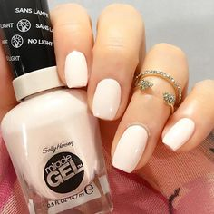 Wear nude nails now like @nailsonthames, who rocks our #ColorOfTheMoment #MiracleGel Crème de la Crème. Show us your mani with #SallyStyle for the chance to be featured.