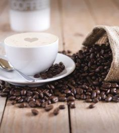 Come prevenire la demenza senile? A quanto pare, la caffeina è un toccasana in questi casi. Ma sarà davvero salutare? La caffeina alleata contro la demenza? A quanto pare sì. Sono ormai diverse le ric