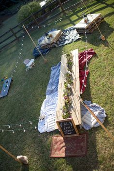 What a fun setup for a laid-back, intimate gathering! This would be perfect on our Event Lawn! #GareyHouseGTX