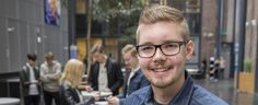 Niklas Litmala kehitti ystävänsä kanssa sovelluksen, jolla työtä voi hakea muutamalla pyyhkäisyllä.