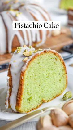 Best Dessert Recipes, Easy Desserts, Delicious Desserts, Cake Recipes, Dessert Ideas, Pistachio Cake, Pistachio Recipes, Oatmeal Cake, Occasion Cakes