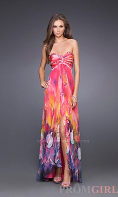 We Know you Love La Femme Dresses as Much as We Do! Find the Perfect La Femme Prom or Homecoming Dress of Your Dreams Today at Peaches Boutique Inexpensive Prom Dresses, Elegant Dresses, Beautiful Dresses, Nice Dresses, Maxi Dresses, Short Semi Formal Dresses, Formal Gowns, Strapless Dress Formal, Floral Print Gowns