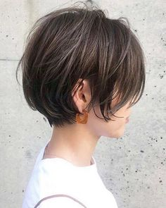 57 hottest short bob haircuts for women 00101 ~ Litledress Bob Haircuts For Women, Medium Bob Hairstyles, Short Bob Haircuts, Simple Hairstyles, Medium Hair Styles, Short Hair Styles, Hair Arrange, Hair Affair, Great Hair