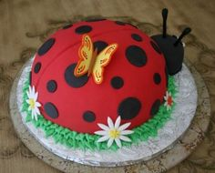Lady bug cake with butterfly and white flowers.JPG on we heart it / visual bookmark on imgfave Amazing Cakes, Beautiful Cakes, Ladybug Cakes, Butterfly Cakes, Fancy Cakes, Love Cake, Creative Cakes, Creative Food, Pretty Cakes