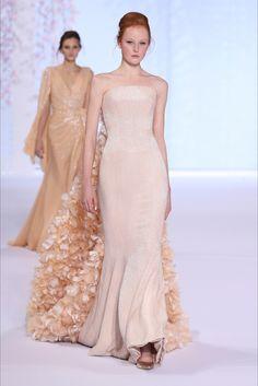 Ralph & Russo Parigi - Haute Couture Fall Winter 2015-16 - Shows - Vogue.it