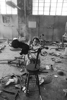 Amazing emotions captured amazingly -> Photograph of Jean Tinguely by Dennis Hopper, 1963
