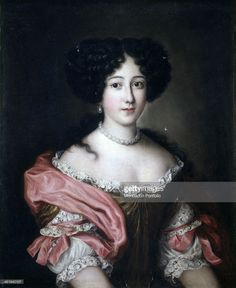 Portrait of Princess Giulia Colonna di Gallicano, by Unknow Artist close to Jacob Ferdinand Voet also known as Ferdinando of Portraits, 1663 - 1679, 17th Century, oil on canvas. Italy, Lombardy, Milan, Castello Sforzesco, Civic Collections of Ancient Art. Whole artwork view. Portrait of the Princess in an elegant dress adorned with lace and pearl jewelry.