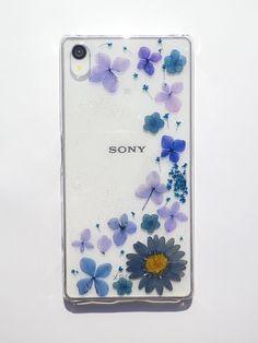 Annys workshop,Pressed flower phone case, Handmade phone case, Sony Xperia Z5, Shiny blue