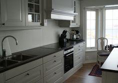 Lilli@Home: Kjøkken Kitchen Cabinets, Home Decor, Decoration Home, Room Decor, Cabinets, Home Interior Design, Dressers, Home Decoration, Kitchen Cupboards