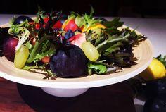 Getting creative with the fruit bowl...why not? #fruit #fruitbowl #ripe #autumn #dietitian #nutritionist #instadaily #ilovenutrition #fresh #chilled #ilovefruit #colour #colourfull #whynot #night #noflash #citrus #plum #lettuce #readytoeat #bright #newcastle #stonefruit #wood #creative #grape #pendulumdietetics #healthychoice #healthylife  #garden by pendulumdietetics
