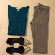 Joes Jeans Sz 26 (Only) •Joes Jeans Slim Fit Sz 24 Greystone 97% Cotton 3% Elastane •WHBM Long Sleeve Top Relaxed Fit (Separate Listing) •WHBM Cosima Flats (Not On Sale) Joe's Jeans Jeans Skinny