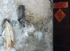 china--guangdong--guangzhou--daytime--qing-ping-market-area--still-life--towels--warm--2015-04-17--ribba