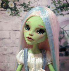 Custom Monster High Venus McFlytrap OOAK Repaint by Prescilla #DollswithClothingAccessories