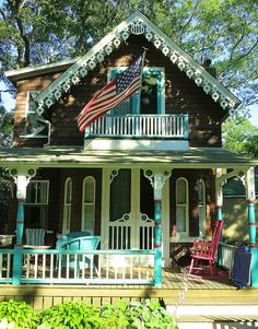 Martha's Vineyard Cottage in Oak Bluffs by The T-Cozy, via Flickr