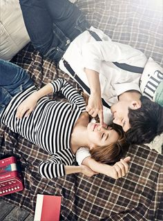 stripe t-shirts and white shirt and jeans in Korean concept pre wedding photography