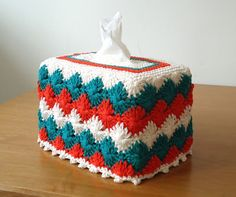 Stitch of Love: Free Pattern: Crochet Catherine Wheel Tissue Box Cover.  FREE PATTERN 9/14.