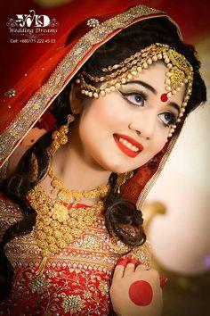 Indian Wedding Poses, Indian Weddings, Indian Wedding Couple Photography, Wedding Photography Poses, Beautiful Indian Brides, Beautiful Bride, Wedding Couples, Wedding Bride, Bridal Makeup Images