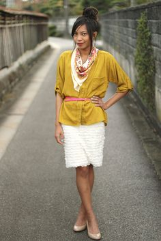 Cute Easter outfit wih mustard yellow, pink and turquoise