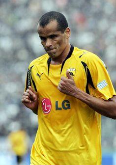Rivaldo - AEK Athens Good Soccer Players, Football Players, World Football, Football Soccer, Most Popular Sports, Polo Ralph Lauren, Mens Tops, Brazil, Legends