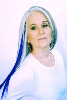 Tips for Women with Gray Hair: How to Get Silver Hair and Make Your Hair Shiny