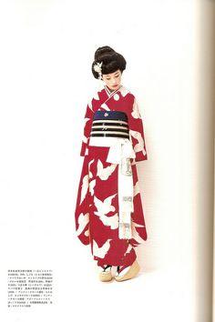 Kimono-hime issue 7. Fashion shoot page 5, via Flickr.