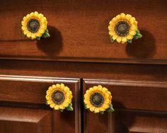 6 Pc. Sunflower Country Kitchen Drawer Pulls