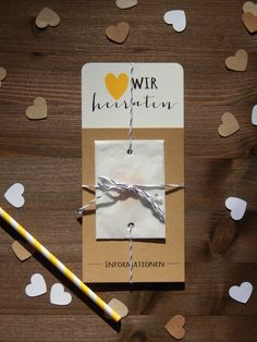 Moderne und schlichte Hochzeitseinladung mit Konfetti / simple but chic wedding invitation, with confetti by Mit herzlichem Gruß via DaWanda.com