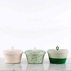 This little basket will store your odds and ends with style! Its great for holding bathroom essentials, jewellery, makeup, miscellaneous collections or pretty much anything else your heart desires. This listing is for 1 Basket, please choose your preferred color: Ivory, polka-dot,