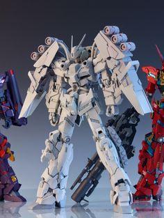 1/100 Unicorn Gundam - Customized Build WIP by Redbrick