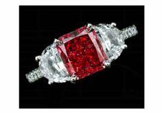 fancy red diamond ring