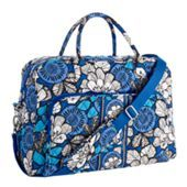 This is the weekender the perfect bag for a short trip or an over night.  Here it is in blue bayou, one of the super pretty new colors!!!!! This bag is 98 dollars but is completely worth it. If you are wanting it in this color or julep tulip ( another new color) then you will have to wait until jan. 9th when it is first available.  If not you can buy it today on vera bradly.com